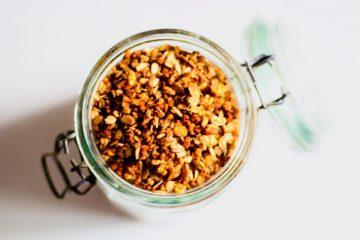 Granola de avena, quinoa y trigo burgol