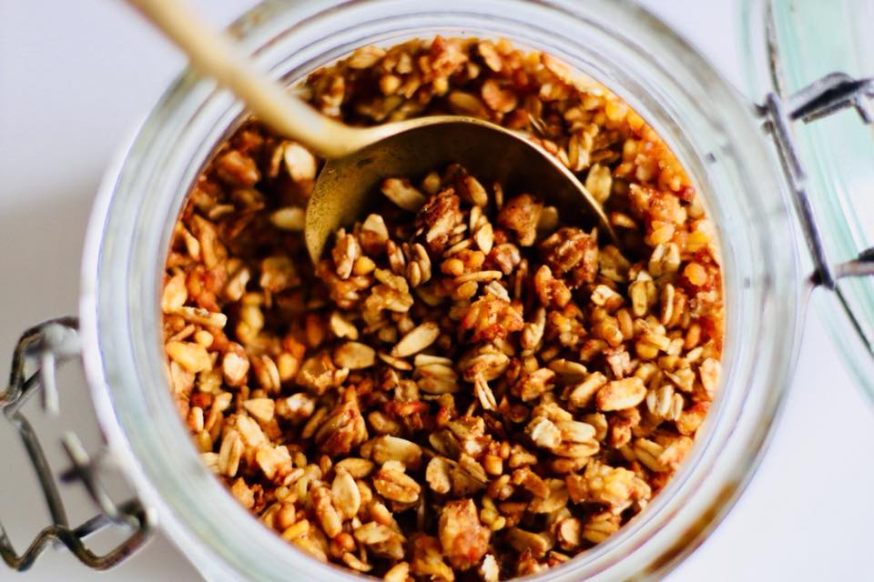 Paso a paso: Granola de avena, quinoa y trigo burgol